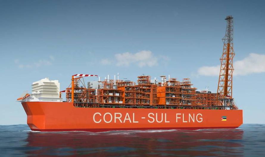 Первый модуль на палубе плавучего СПГ завода Coral Sul FLNG