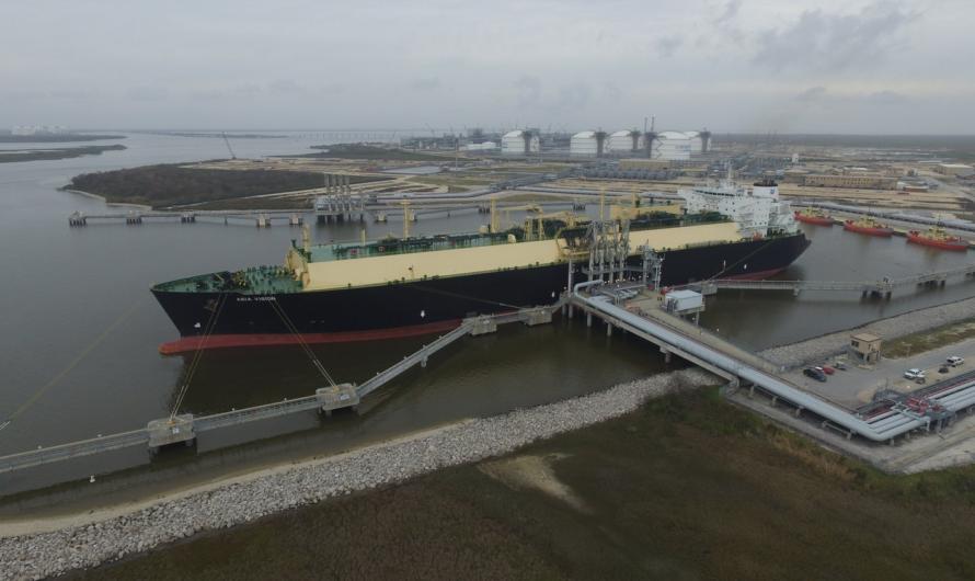 Cheniere закрывает Sabine Pass LNG из-за надвигающегося урагана Лаура