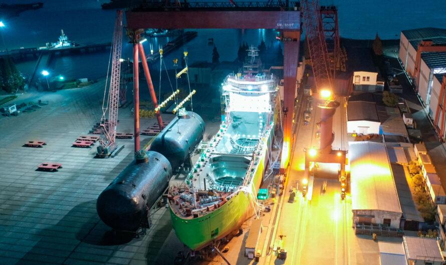 СПГ-бункеровщик «Газпром нефти» готов на 70%