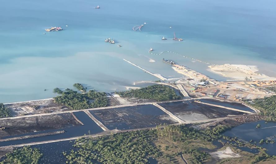 Total сокращает штат сотрудников Mozambique LNG из-за атак исламистов