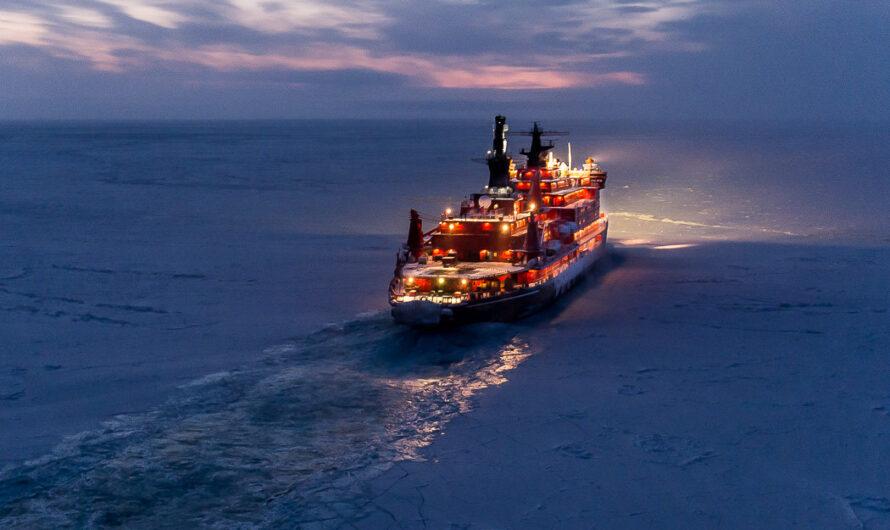 Ледокол «50 лет Победы» сопровождает танкер СПГ «Кристоф де Маржери» в Сабетту