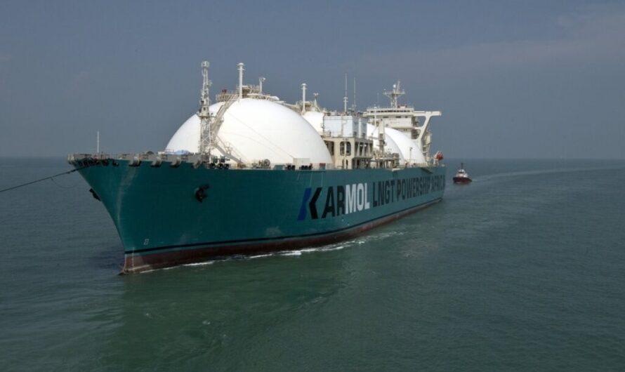 Первая плавучая установка хранения и регазификации СПГ KARMOL прибыла в Сенегал