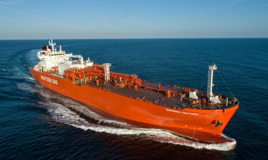 Малотоннажный танкер СПГ для терминала в Равенне наречен Ravenna Knutsen